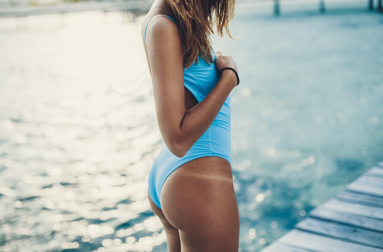 modne stroje kąpielowe 2020